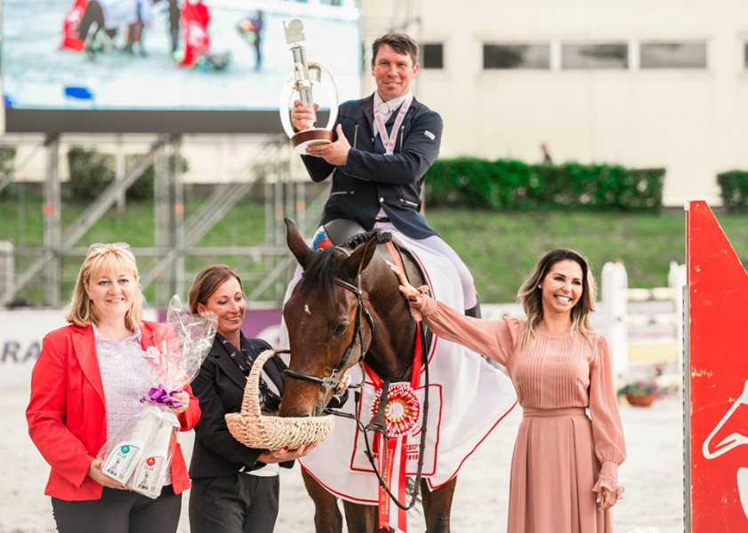 Алексендр Белехов - победитель Кубка Президента федерации конного спорта Москвы!
