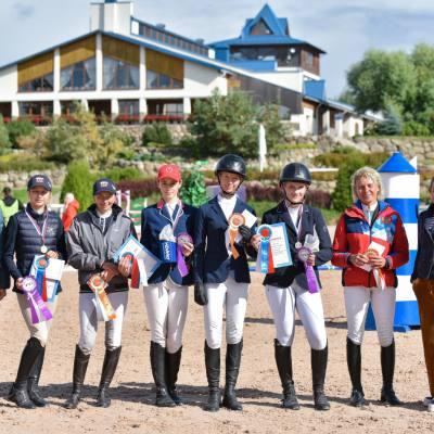 Дети, лошади, конкур: Петербург принял международные соревнования для юных спортсменов, фото 2