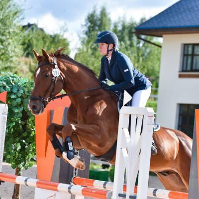 Дети, лошади, конкур: Петербург принял международные соревнования для юных спортсменов, фото 11