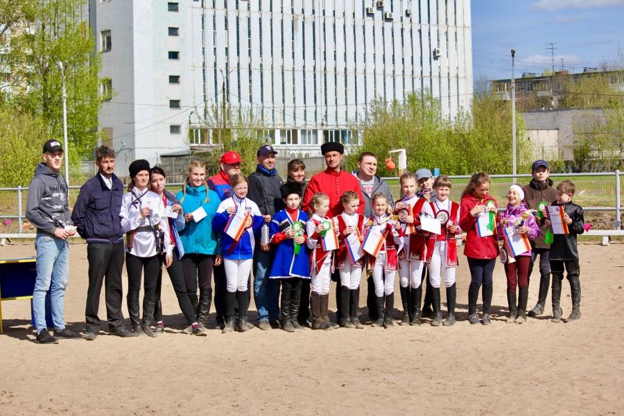 Открытый областной турнир по конно-спортивной джигитовке в Твери